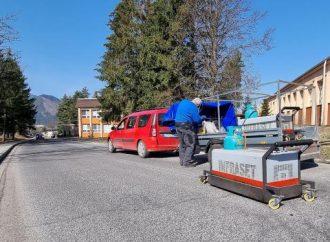 Výtlky v Liptovskom Hrádku opravujú pomocou infražiaričov