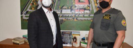 Oravská knižnica darovala mladistvým odsúdeným takmer 500 kníh