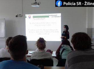 Preventistka z Okresného riaditeľstva Policajného zboru v Liptovskom Mikuláši navštívila Strednú zdravotnícku školu