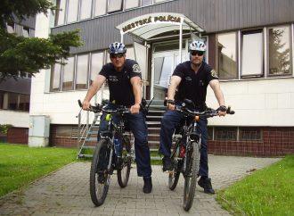 Mestskí policajti opäť hliadkujú v uliciach Liptovského Mikuláša aj na bicykloch