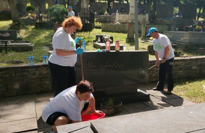Zamestnanci spoločnosti ARRIVA na Slovensku sa zapojili do dobrovoľníckeho podujatia Naše mesto
