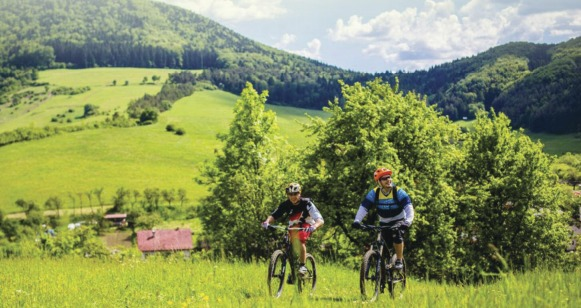 V Rajeckej doline slávnostne otvorili nový cyklochodník
