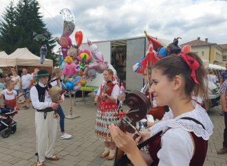 Deň tradičnej kultúry v Novoti vyšiel na jednotku