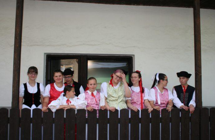 Kde je vôľa, tam je cesta… hovorí Janka Maďariová, vedúca turzovských folkloristov