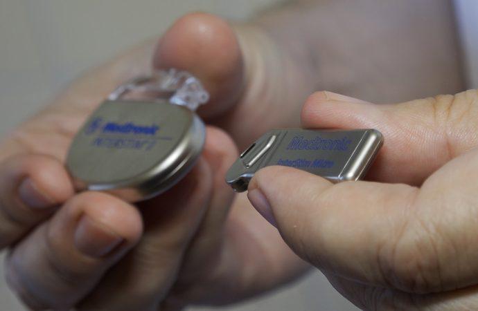 Urologická klinika UNM ako prvá v strednej Európe využíva najmodernejší neurostimulátor miechy