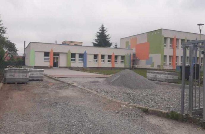 V Krásne nad Kysucou pribudnú nové parkovacie miesta