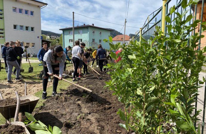 Obec Vysoká nad Kysucou rozšírila zeleň Zeleným plotom