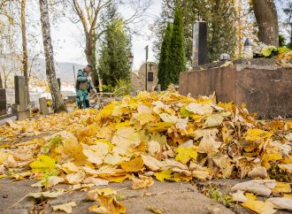 V Dolnom Kubíne bude počas Dušičiek osem cintorínovotvorených nonstop